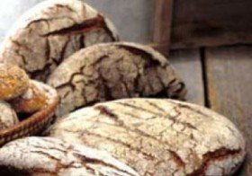 Vollwertbrot in Laibform
